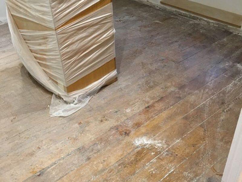 ANTES – Acuchillado, Teñido y Barnizado de suelo y escalera – Miguel Rodriguez