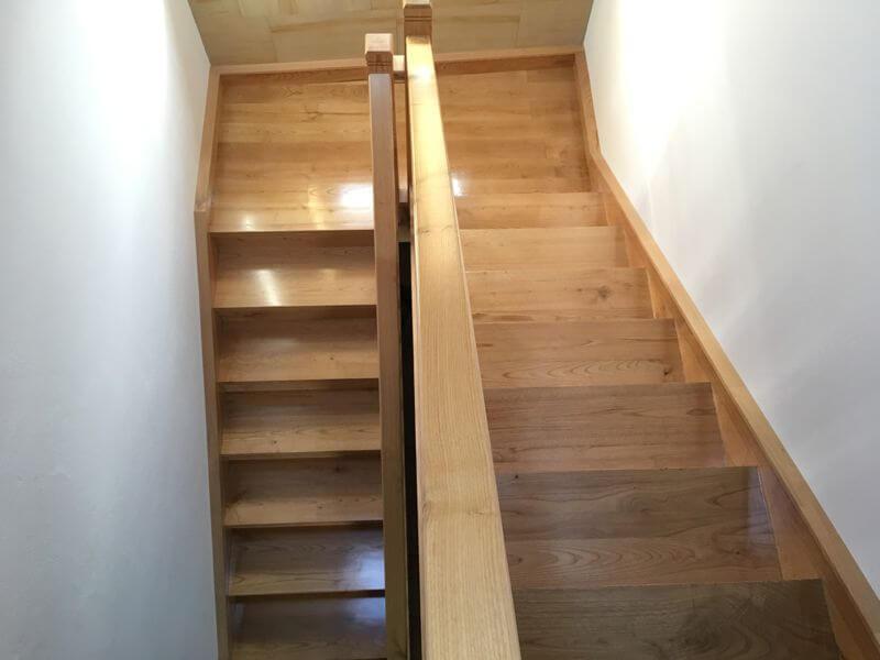 Escalera de castaño acabado satinado – Miguel Rodriguez
